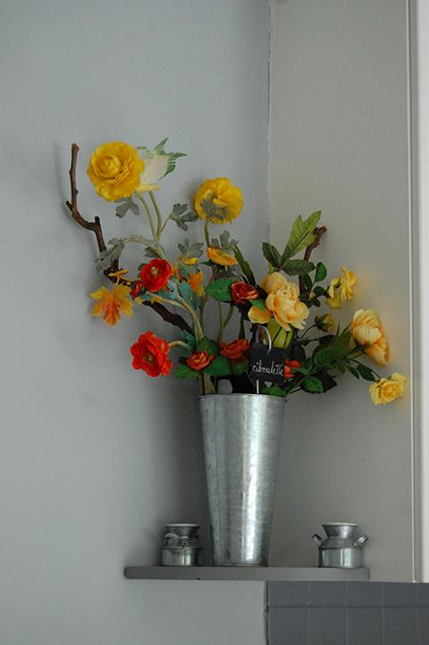 Plantes et vase en inox